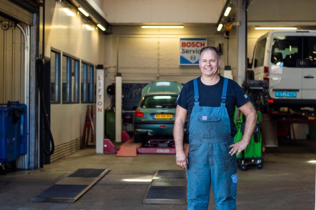 Auto-Garage-Norg-Groningen-Dorenbos-auto-reparatie-onderhoud-monteur