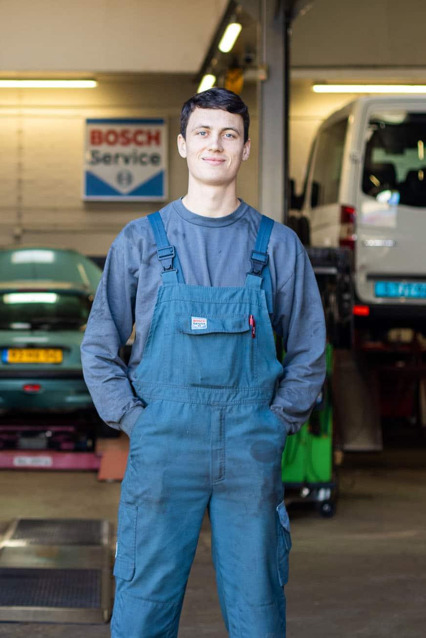 Auto-Garage-Norg-Groningen-Dorenbos-auto-reparatie-onderhoud-monteur-2