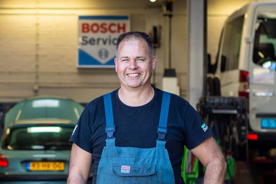 Auto-Garage-Norg-Groningen-Dorenbos-auto-reparatie-onderhoud-monteur-3